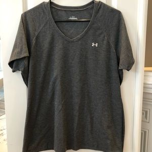 NWOT Woman's Under Armour T.